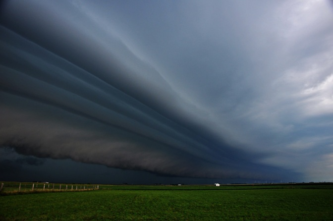 Extreme Images of A Storm